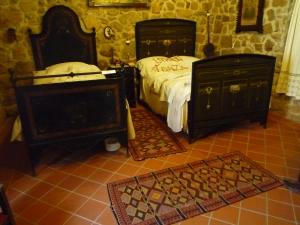 The genuine retro vintage-style bedroom suites.